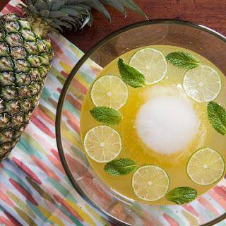 Isla Bonita Punch (Sparkling Pineapple-Rum Punch).