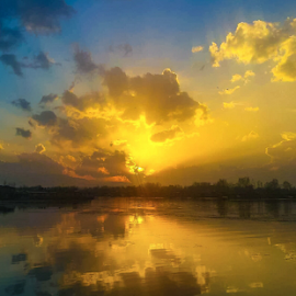 Sunset at Dal lake by Amrita Bhattacharyya - Instagram & Mobile Android (  )