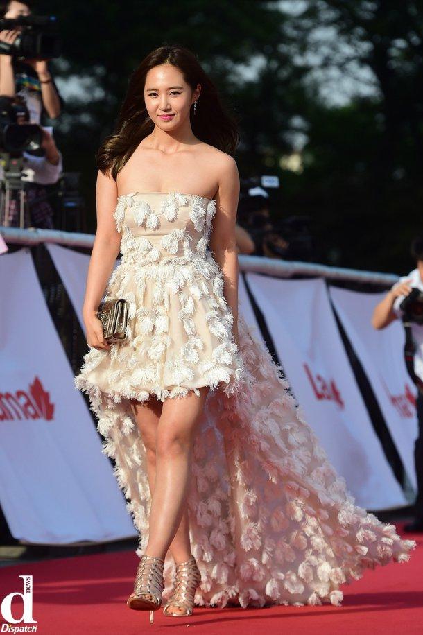 yuri gown 40