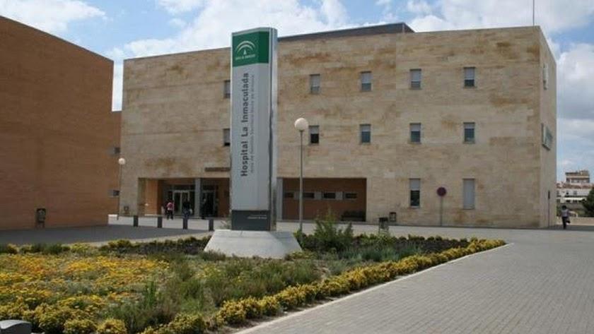 Cuatro vecinos de Macael se encuentran ingresados en el Hospital La Inmaculada.