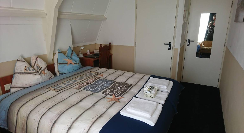 Hotel De Ruyter