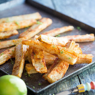 Spicy Yuca Fries with Garlic Sauce