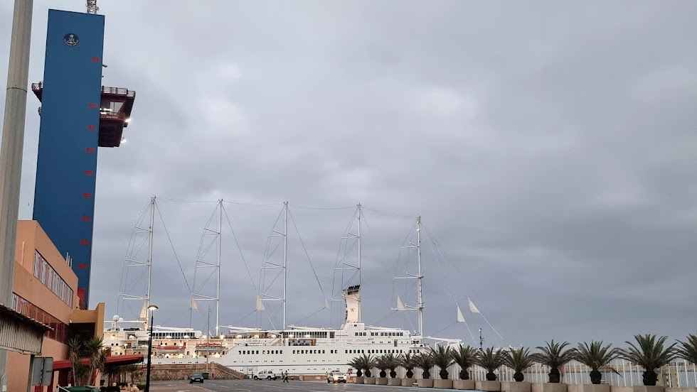 Llegada al puerto de la embarcación.
