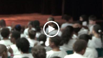 Video: Sensemaya en Guadeloupe : Collège Michelet Concert organisé par l'équipe d'espagnol : Laurence Carlton et Adeline Le Bouffo (Pointe à Pitre)