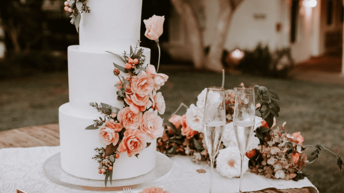 55 Beautiful Wedding Cakes to Inspire You