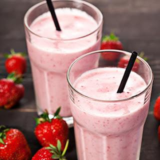 Homemade Easy Strawberry Milkshake.