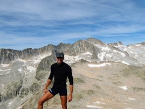 Photo: Tuc de Mulleres, 2928m, sullo sfondo l'Aneto, 3404m, la cima più alta dei Pirenei.