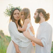 Wedding photographer Stasya Burnashova (stasyaburnashova). Photo of 06.08.2016