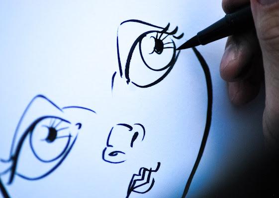 pochi tratti per creare un volto. di rosy_greggio