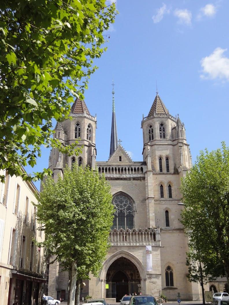 Cathédrale Saint-Benigne à Dijon
