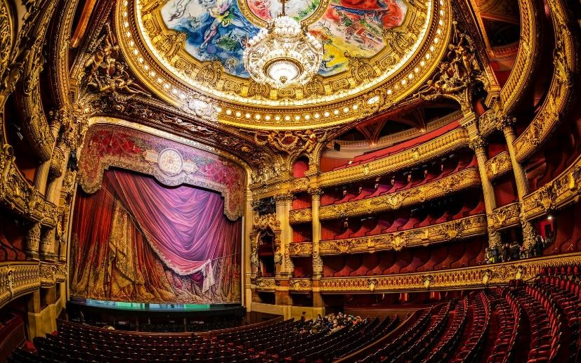 https://kateloran.files.wordpress.com/2015/08/paris-theater-interior-images.jpg