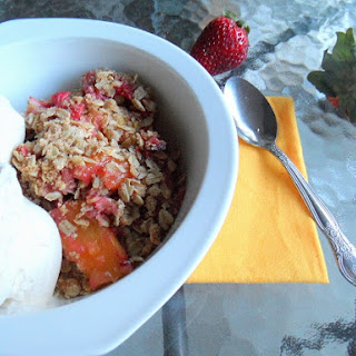 Strawberry Mango Crumble