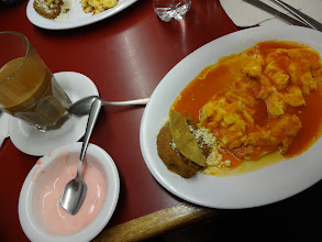 Photo: To už si snídáme v centru města. Mimochodem foursquare mi doporučil docela dobrý vajíčka.
