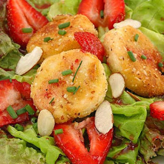 Strawberry and Almond-Crusted Goat Cheese Salad