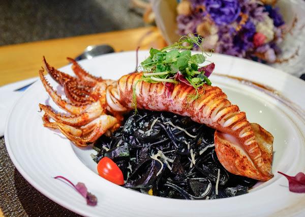 浪漫約會義式餐廳~難忘的唇齒留香墨魚麵!-菲RaRa義式餐酒館