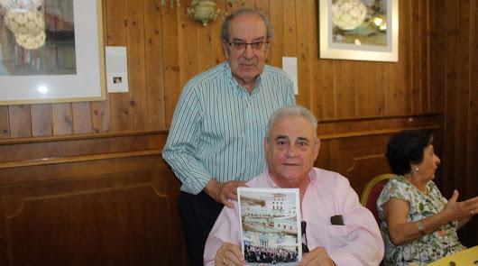 Presentado el libro 'Magisterio de Almería promoción 1965/68'
