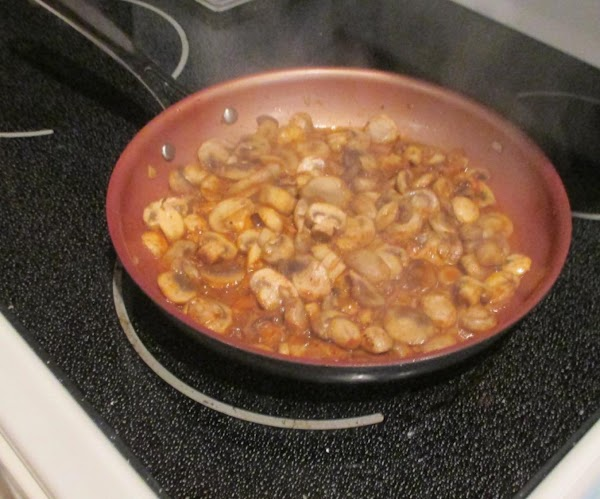 Heat olive oil and 1 Tablespoon of the butter - add mushrooms, cook 3...