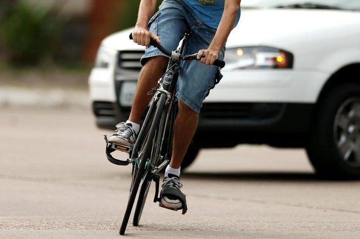 Os ciclistas se tornaram as maiores vítimas do trânsito durante a pandemia provocada pelo Sars-CoV-2. (Bruno Alencastro / Agencia RBS/Reprodução)