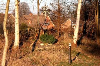 Photo: En face de la chapelle