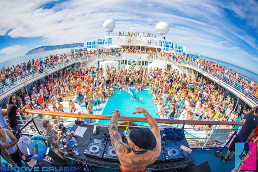 Michael Woods had the Neptune pool going off at last fall's Groove Cruise LA aboard Carnival Inspiration.