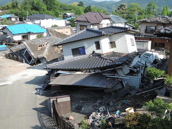 【熊本地震】父「痛かったね」 娘が家屋倒壊の犠牲に