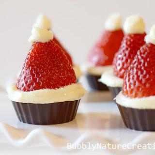 Santa Hat Cheesecake Bites! {No Bake}.