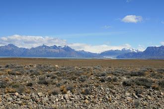 Photo: Ein Gletscher fließt in den See