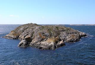 Photo: Skapholmen i vårljus.