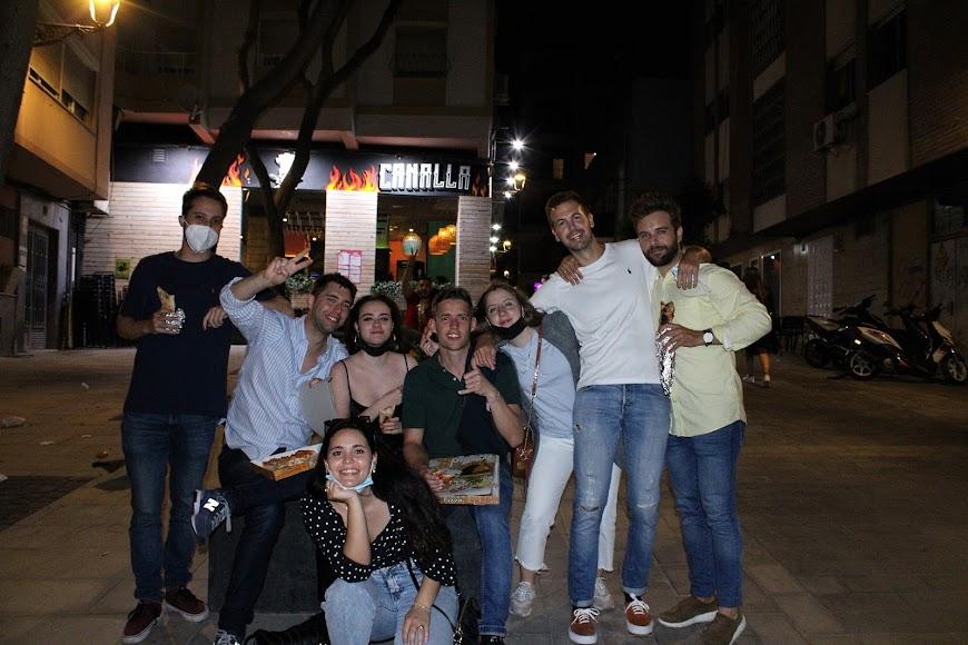 Juan Carlos Martínez junto a sus amigos de Almería, Olot y Granada,