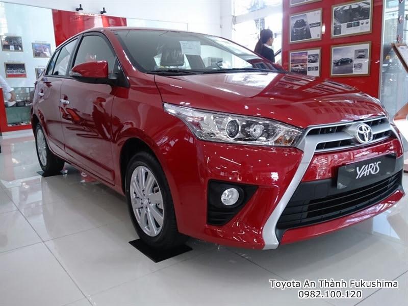 Khuyến Mãi Giá Xe Toyota Yaris 2016 Nhập Khẩu TPHCM màu đỏ