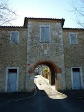 Photo: Porte d'entrée du centre-bourg de Le Plan