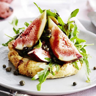 Ricotta Tarts with Figs, Arugula and Capers.