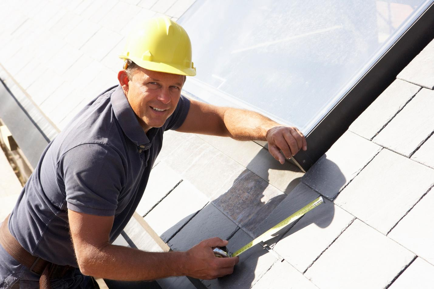 A person wearing a hard hat  Description automatically generated with medium confidence