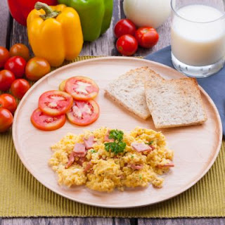 Slow-Cooked Cheesy Ham Scrambled Eggs