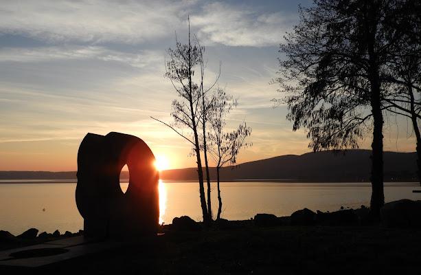 Tramonto sul lago di Bracciano. di claudio_sposetti