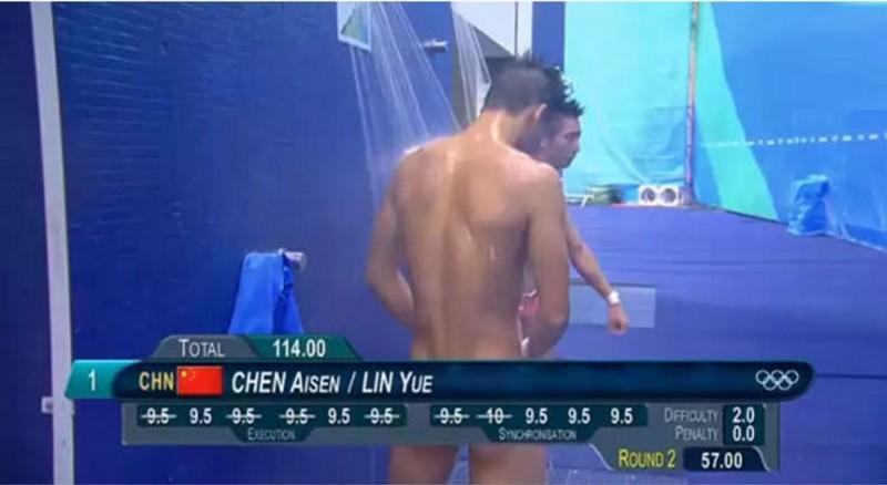 Таблички с результатами заставляют олимпийских прыгунов в воду выглядеть голыми олимпиада, рио2016, спорт
