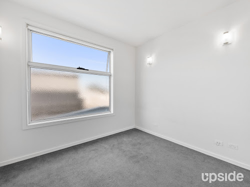 Photo of property at 2/270 Centre Road, Bentleigh 3204
