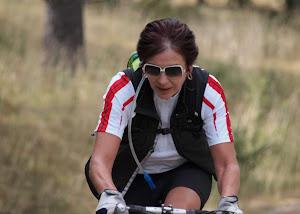 cycliste-sur-un-parcours-autour-de-lescleriade