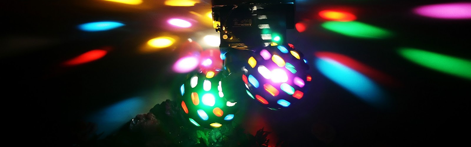 Mobile Disco Lighting Effects Hire: Berks & Bracknell | DJ CJ Disco