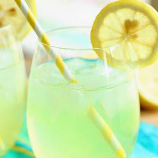 Skinny Vodka Lemonade.
