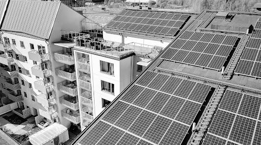Almería dispone de más de 206.000 viviendas: el 99% pueden albergar paneles solares.