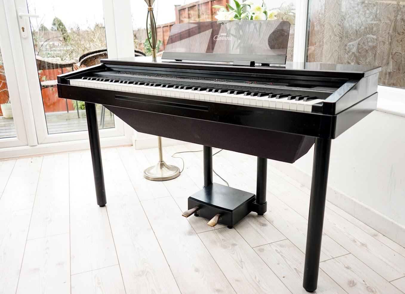 Yamaha clavinova digital full size baby grand piano 88 key for Yamaha baby grand piano dimensions