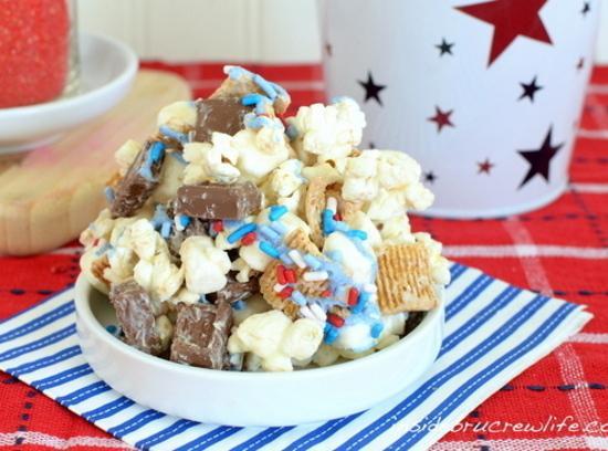 S'mores Popcorn Munch Recipe