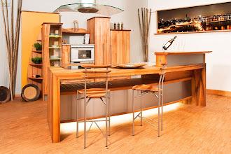 Photo: Kücheninsel in Nussbaum