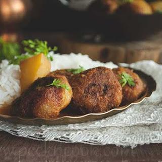 Kanchakola or Plantain Kofta Curry Recipe