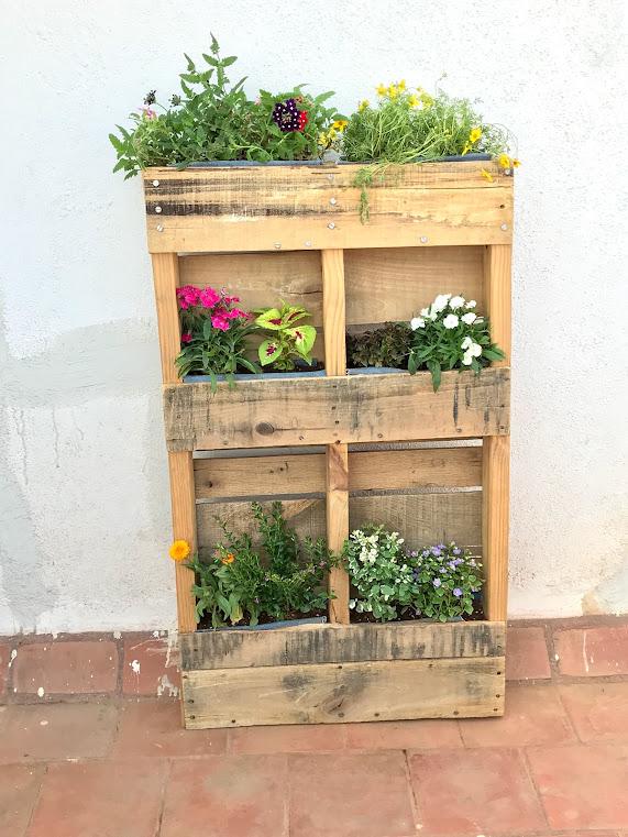 Wood pallet based DIY planter