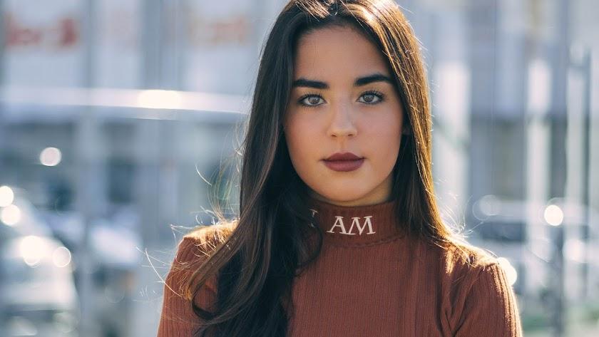 Laura López, alumna del IES Azcona, se ha convertido en una 'influencer'.