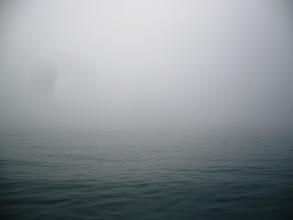 Photo: キリが凄すぎ! すぐそこの船が見えない・・・。