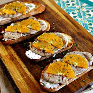 Toasts with Pork Tenderloin, Blue Cheese and Orange.