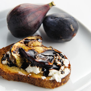 Balsamic Fig and Goat Cheese Toasts